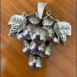 Mexican Silver Taxco Grape cluster set